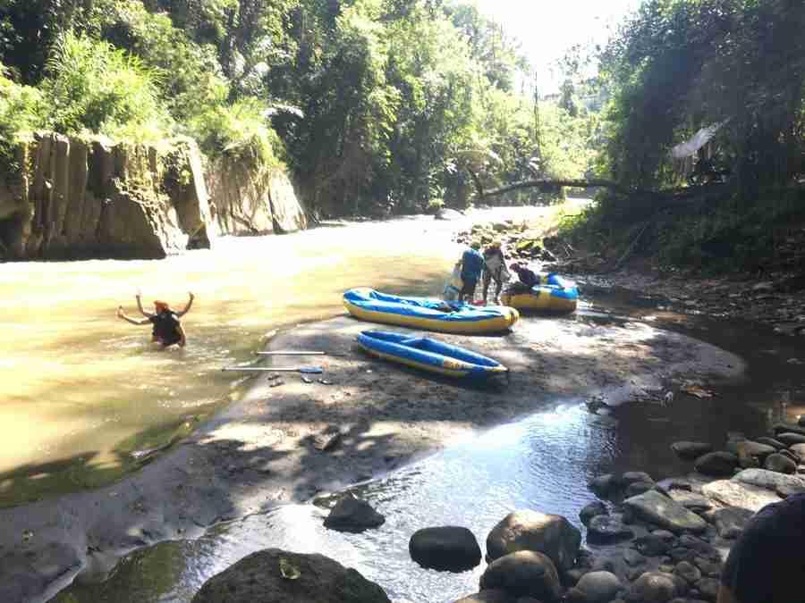 Kirtan, rafting, eating, swimming, walking…